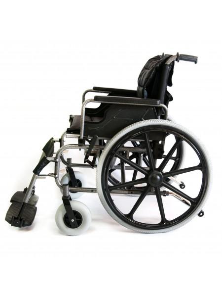 Комфортабельная инвалидная кресло-коляска FS 951B - 56